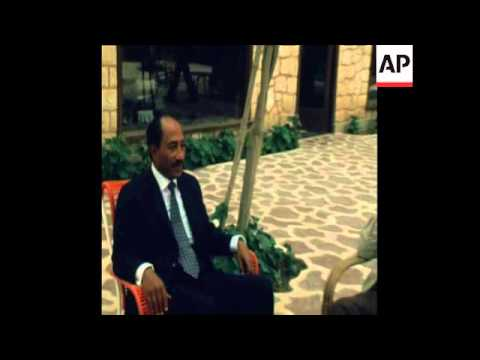 SYND 13-3-74 SADAT MEETS ARAFAT AND YAMANI ON US OIL EMBARGO