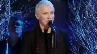 Watch Annie Lennox The Holly And The Ivy video