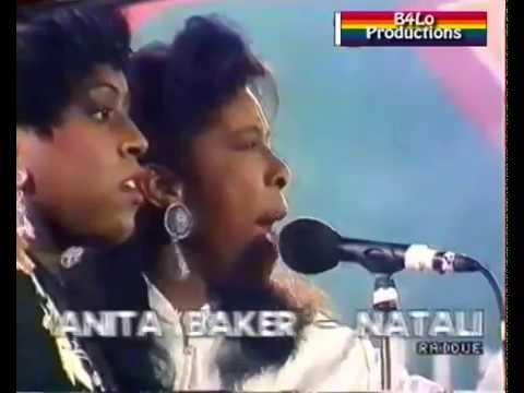 Mica Paris, Natalie Cole, Anita Baker, Bonnie Raitt, 'Blowing in the wind''  - 1990