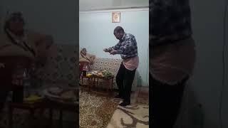 Amca Sallama Oynuyor - Roman