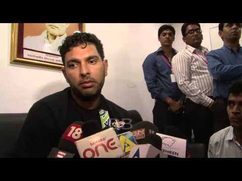 Yuvraj Singh, Anjali Tendulkar, Raj Thackeray, Sharmila Thackeray, Aneel Murarka at Cancer awareness