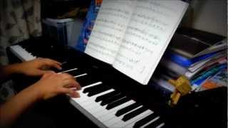 作曲:久石譲 ジャズっぽい曲 劇中ではホテル・アドリアーノで流れてますね.