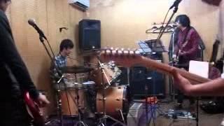 岡山を中心に活動しているバンド amberTed 吉井和哉のビルマニアを演奏...