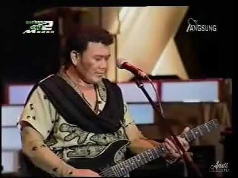 CINTA PERTAMA - RHOMA IRAMA ( KONSER DUHAI PESONA 2005 )