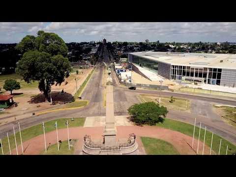 Explorando la ciudad de Las Piedras (4k)