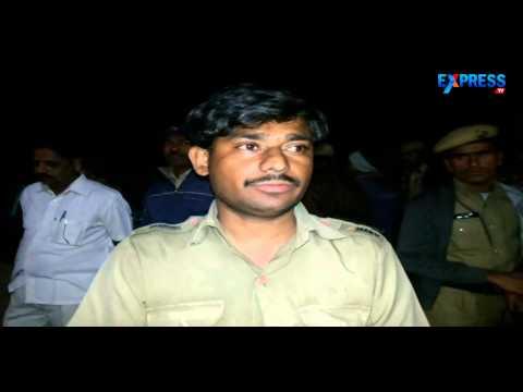 Meru Cab Catches Fire In Hyderabad | Express Tv