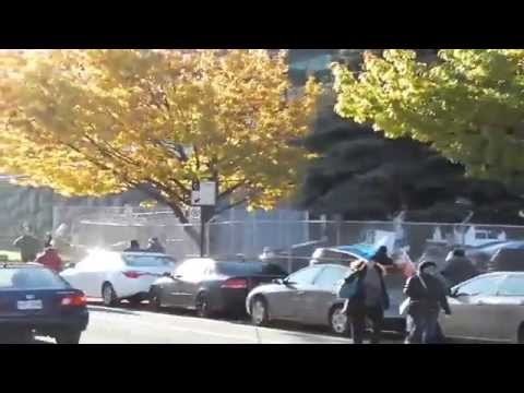 Piquetage autour de la SQ à Montréal. (7)