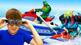 Видео про игрушки: Черепашки Ниндзя в плену! Чиним Водный мотоцикл для Леонардо и спасаем их!