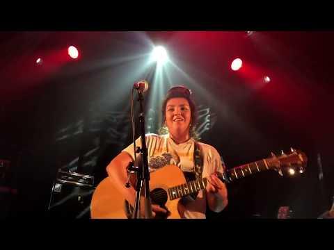 Hoshi «Ta Marinière» Live Au Flow
