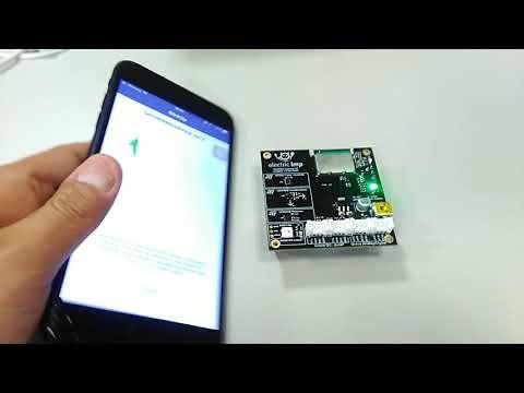 【日経テクノロジーオンライン】IoT開発キットelectric imp「impExplorer」をWiFi設定しているところ