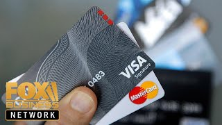 US credit card debt hits record $870B