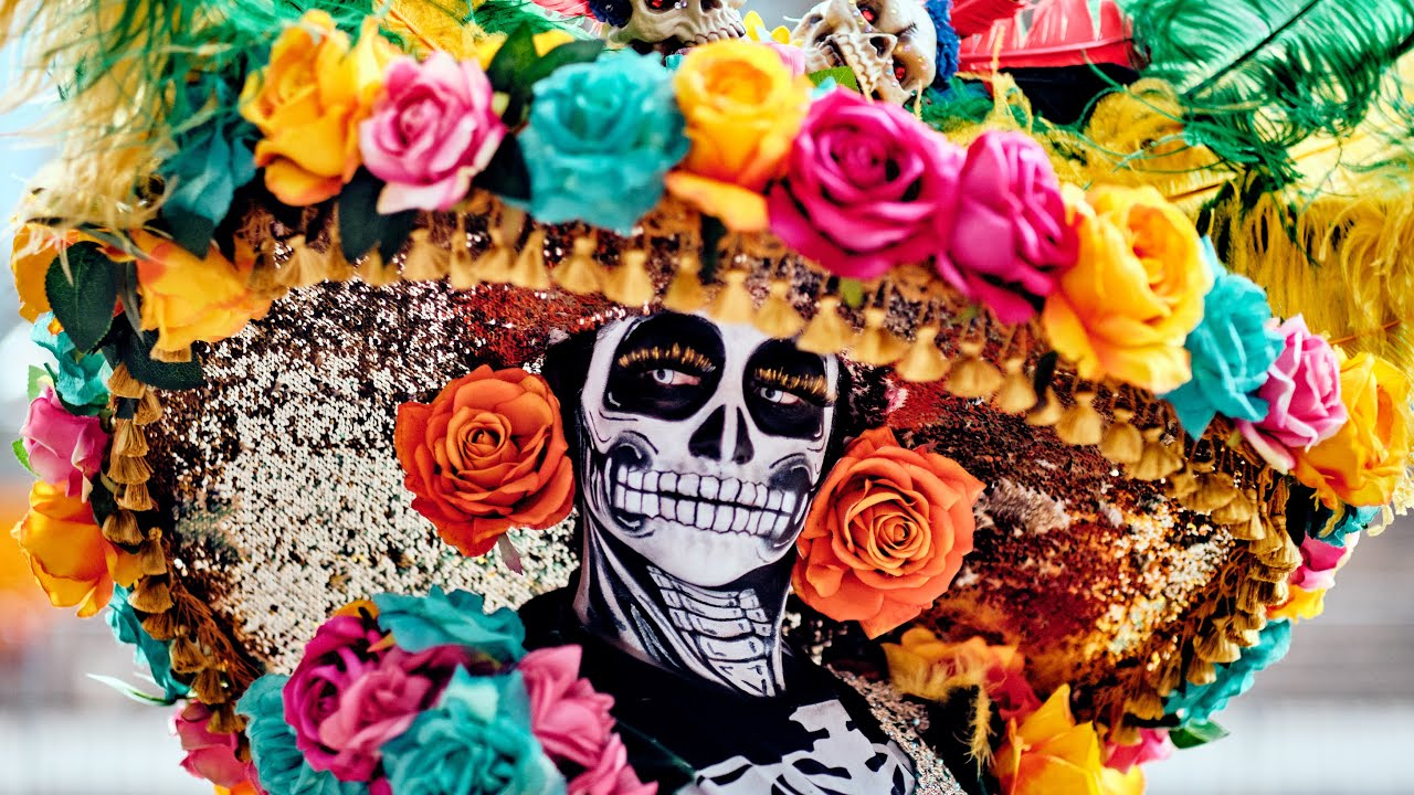 This Is Day Of The Dead Parade In Mexico City Dia De Los Muertos Youtube