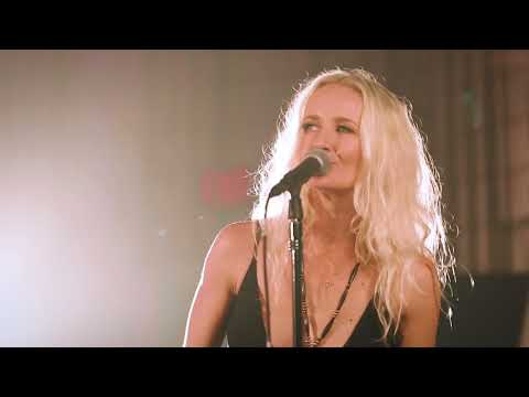 Pearl 'Mama'   Live Studio Video