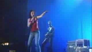 Laura Pausini & Biagio Antonacci - Tra Te E Il Mare (Live)