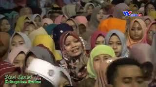 Download Video Az zahir full maulid live alun alun kudus _ hari santri 2018 part 02 MP3 3GP MP4