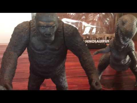 X-Plus King Kong and Tyrannosaurus Review