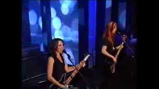 The Bangles - Manic Monday - Top Of The Pops - September 2001
