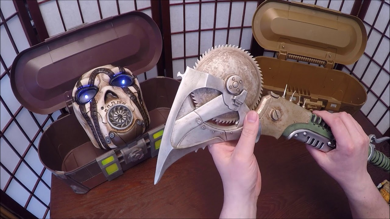 Psycho mask and buzzsaw