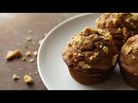 Easy And Healthy Banana Nut Muffin Recipe | How To Make Low Calorie Banana Nut Muffins