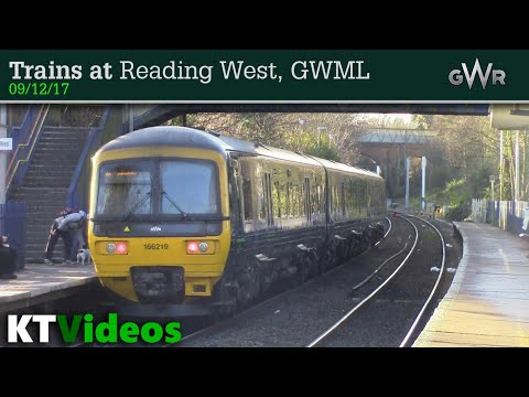 Trains at Reading West, GWML - 09/12/17