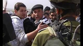 حوار رائع ومشوق بين مواطن فلسطيني وجندي اسرائيلي