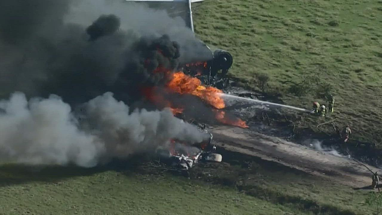 Plane crash today: MD-87 with 21 people crashes on takeoff from ...