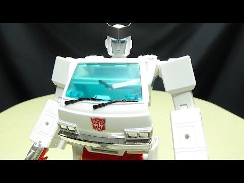 MP30 Masterpiece RATCHET: EmGos Transformers Reviews N Stuff