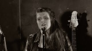 lucy ward sings the band played waltzing matilda