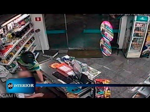 Armados, bandidos assaltam farmácia de Araçatuba