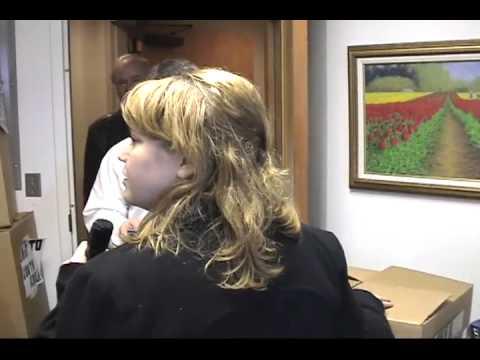 Senator Wyden Outsources Office to Korea