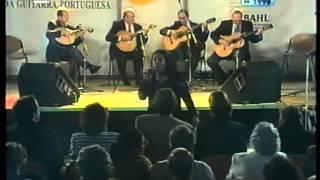 TINA SANTOS -  O FADO MORA EM LISBOA