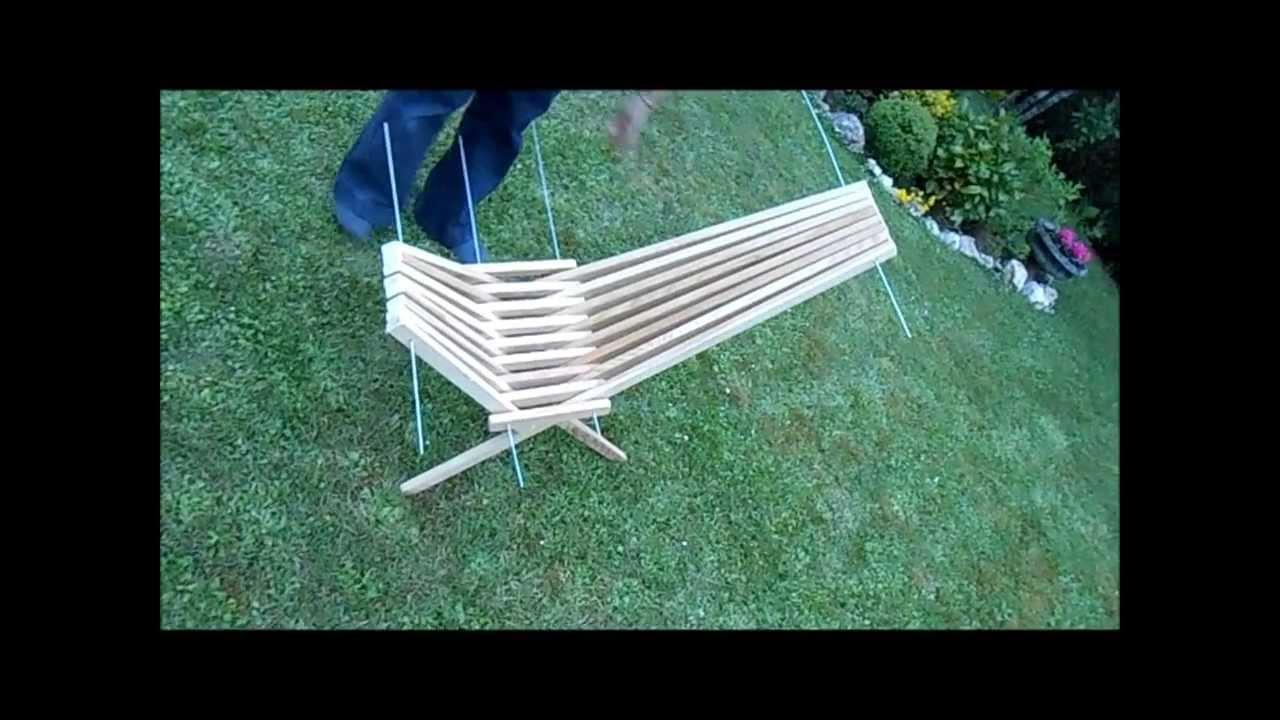 Fabriquer une chaise pliante avec des tasseaux youtube - Table pliante avec chaises integrees ...