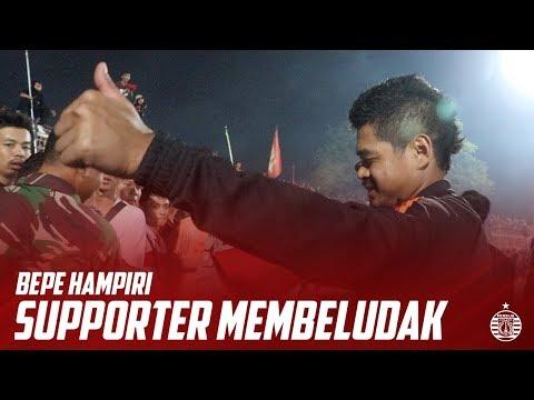 Bambang Pamungkas Hampiri The Jak Yang Membeludak Di Stadion Sumpah Pemuda