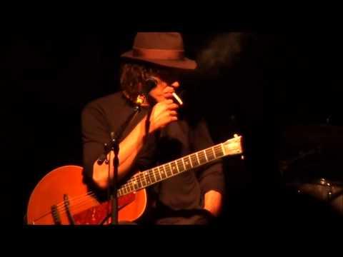 Jean Leloup: ? / Je Joue De La Guitare / Recommencer /Je Suis Parti Live a Aylmer