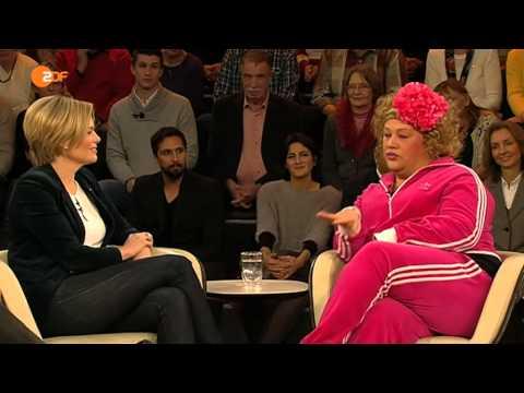 Cindy aus Marzahn und Julia Klöckner (CDU)