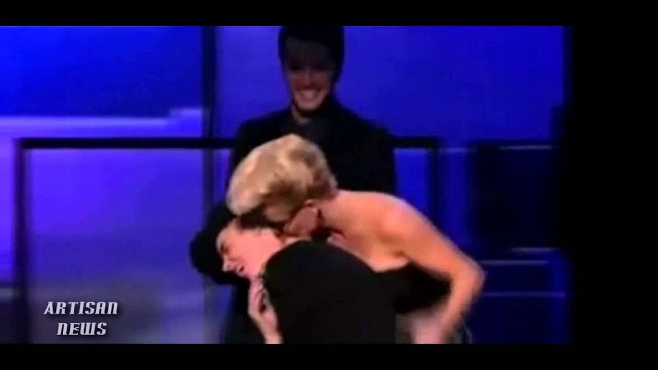 Jenny Mccarthy Porn Video jenny mccarthy talks about violating justin bieber at american music awards