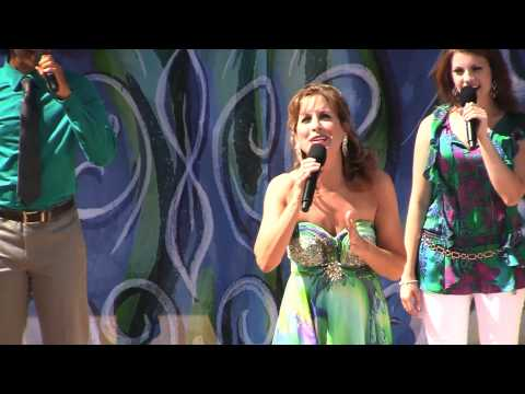Voice of Ariel, Jodi Benson, sings