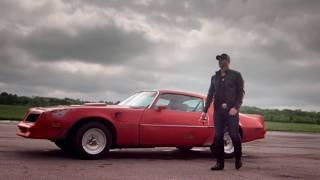 Смотреть клип Tim Hicks - Here Comes The Thunder