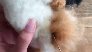羊毛フェルトを使って作る狐の胴体の作り方です.