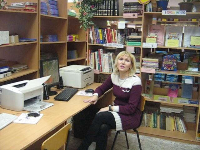 Изображение предпросмотра прочтения – Вера ПавловнаМальцева читает произведение «Стрекоза и Муравей» И.А.Крылова