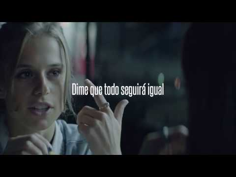Flight Facilities - Clair De Lune ft. Christine Hoberg (Español)