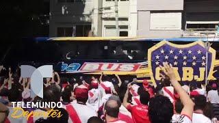 Hinchas del River Plate agreden autobús de Boca Juniors previo a Final de Libertadores | Telemundo