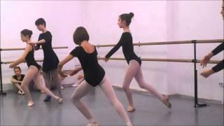 """Открытый урок по классическому балету в Академии искусств """"МУЗА""""."""