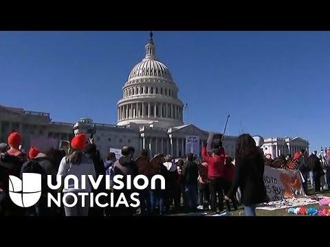 Jóvenes inmigrantes llegan al Capitolio pidiendo un DreamAct