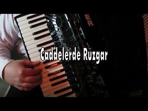 Caddelerde Rüzgar (Nilüfer) Cover - Murathan Akordeon