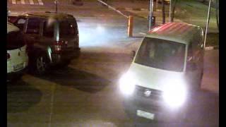 Как пробивают шлагбаум(Въезд во двор по московской улице Расковой 23А. Машина пробивает шлагбаум. Полиция защищает нарушителя..., 2015-12-26T10:55:07.000Z)