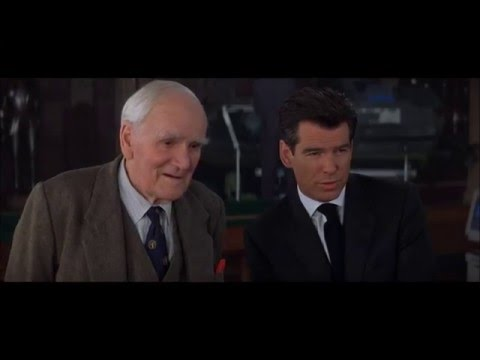 Desmond Llewelyn John Cleese,  Q R .  The World Is Not Enough  1999