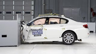 2014 BMW 5 series driver-side small overlap IIHS crash test