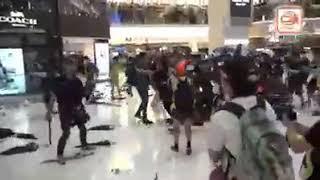 Download Video Hancurkan Mall Milik Tiongkok, Ribuan Orang Bentrok Dengan Polisi. MP3 3GP MP4