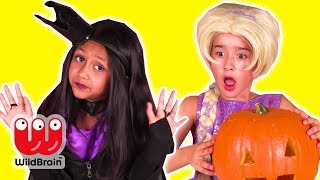 HALLOWEEN PUMPKIN CARVING CONTEST 🎃 Who Will Win? - Princesses In Real Life | WildBrain Kiddyzuzaa